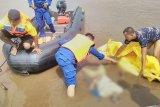 Mayat pria tanpa identitas ditemukan mengapung di Sungai Mentaya