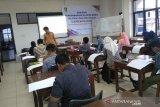 ISI Surakarta bantu perajin kembangkan desain batik berbasis komputer