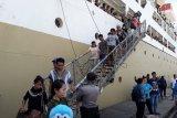 Pengungsi Wamena asal Maluku Utara tiba di Ternate