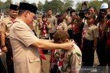 Manfaatkan Pramuka sebagai wahana pendidikan luar sekolah, kata Gubernur Kalteng
