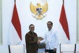 Presiden Jokowi bertemu Zulkifli Hasan di Istana Merdeka