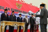 Gubernur lantik Komisioner KIPD Sulawesi Selatan