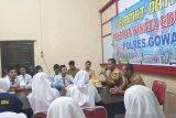 Puluhan pelajar SMKN 01 lakukan wisata edukasi di Polres Gowa
