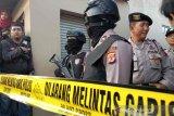Polisi kembali geledah rumah terduga teroris Cirebon, polisi sita cairan kimia dan panah