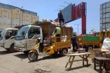 Ratusan ton sampah di Kota Mataram tertahan akibat kebakaran TPA