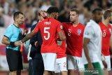 Laga Bulgaria vs Inggris dihentikan karena aksi rasisme
