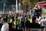 Ratusan suporter demo setelah Timnas Indonesia ditaklukkan Vietnam