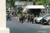 Ibu Iriana pimpin rombongan OASE jenguk Wiranto