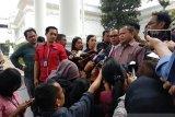 Sejumlah paguyuban masyarakat perantau di Papua menemui Presiden Jokowi