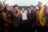 Gubernur Kalteng  perjuangkan aspirasi Suku Dayak ke Presiden terpilih