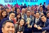 KJRI Hong Kong serahkan penghargaan  Primaduta kepada Fok Hing