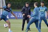 Empat kali kalah, Silva yakin kepercayaan diri Everton pulih