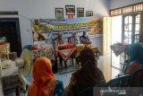 Disdag Kulon Progo mengadakan pelatihan pemanfaatam bahan baku lokal