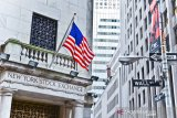 Wall Street naik ditopang laba kuat dan harapan perdagangan global
