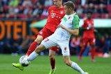 Gol Finnbogason menggagalkan kemenangan Bayern di markas Augsburg