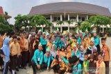 VIDEO - Anak SD aksi peringati Hari Cuci Tangan sedunia di Pekanbaru