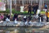 Dinas Pertanian Kota Magelang tebar ikan di perairan umum