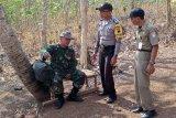 Kodim Cilacap terjunkan tim medis di Desa Cilibang