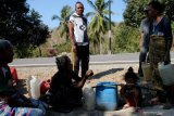 Warga pedalaman  harapkan Jokowi perhatikan akses jalan dan listrik