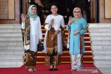 Pelantikan presiden, warganet  puji baju Iriana Jokowi