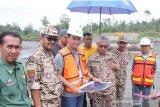 Bupati Lutim pantau progres pembangunan infrastruktur di Mahalona Raya