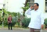 Jokowi ingin negara aman dengan merangkul lawan politik
