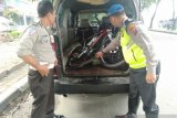 Suzuki APV tabrak pensiunan TNI hingga meninggal dunia saat bersepeda