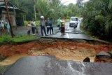 Warga Baturaja OKU harapkan  jalan putus segera diperbaiki