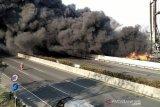Arus Tol Cileunyi, dialihkan ke Pasirkoja karena kebakaran pipa minyak