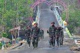 Pengerjaan jalan TMMD di Cilacap terus dipantau