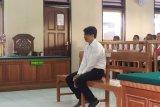 Seorang lulusan SMK Denpasar diadili karena memiliki senjata api ilegal