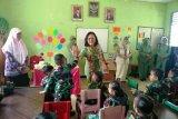 Ketua Persit Kodam XVII/Cenderawasih kunjungi PAUD-TK Merauke