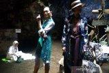 Peragaan busana batik digelar di Goa Lawa (VIDEO)