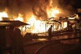 Ratusan kios di pasar SP4 Kaltim terbakar