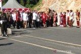 Presiden Jokowi tinggalkan Jembatan Youtefa menuju Bandara Sentani