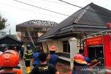 Kantor PT Tidar Kerinci Agung di Jalan Samudera Padang terbakar