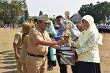 Pemuda berprestasi di Kabupaten Pekalongan terima penghargaan