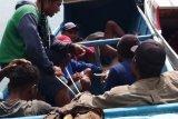 Polisi amankan enam pengebom ikan