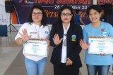 BNN Kota Manado memberi penghargaan dua guru pegiat antinarkoba