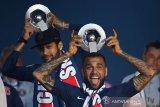 Alves sebut Neymar punya kepekaan seperti anak kecil