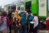 ACT bagikan 1.000 porsi makanan bagi warga  di Cibarusah