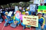 300 siswa SD di Kota Magelang ikuti Gerakan Makan Ikan