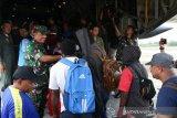 TNI Lanud Silas Papare pulangkan 128 pengungsi ke Wamena