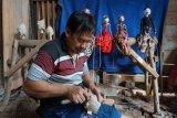 Kerajinan wayang golek khas Batang