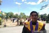 IPK 3,97, Martinus lulusan terbaik UHO