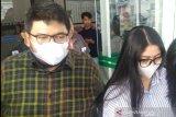 Usai diperiksa KPK,  dua anak Wali Kota Medan bungkam