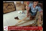 VIDEO : Membuat lukisan dari pelepah pisang