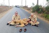 Bupati Banjarnegara tiduran di jalan mulus, begini alasannya