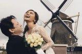 Masih suasana suka cita, Rina Nose bagikan foto-foto bulan madu bersama sang suami