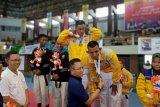 Sekprov dan Ketua KONI Lampung serahkan medali emas kempo